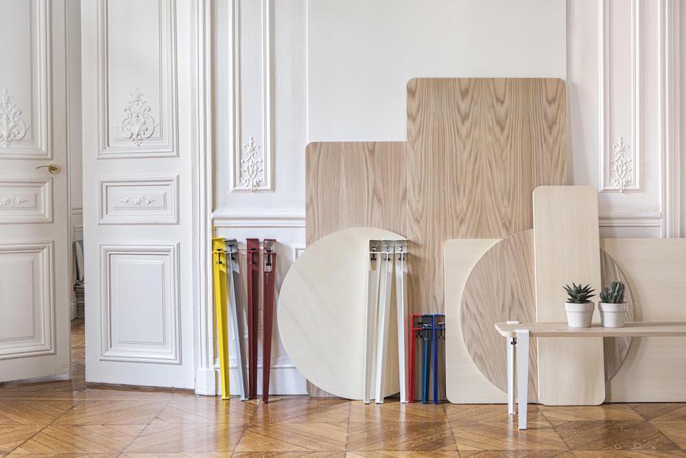 """Collection Haussmann pieds """"Tiptoe"""" 8 couleurs 2 hauteurs (40cm et 75cm) plateaux de table disponibles, photo Stéphane Lucano"""