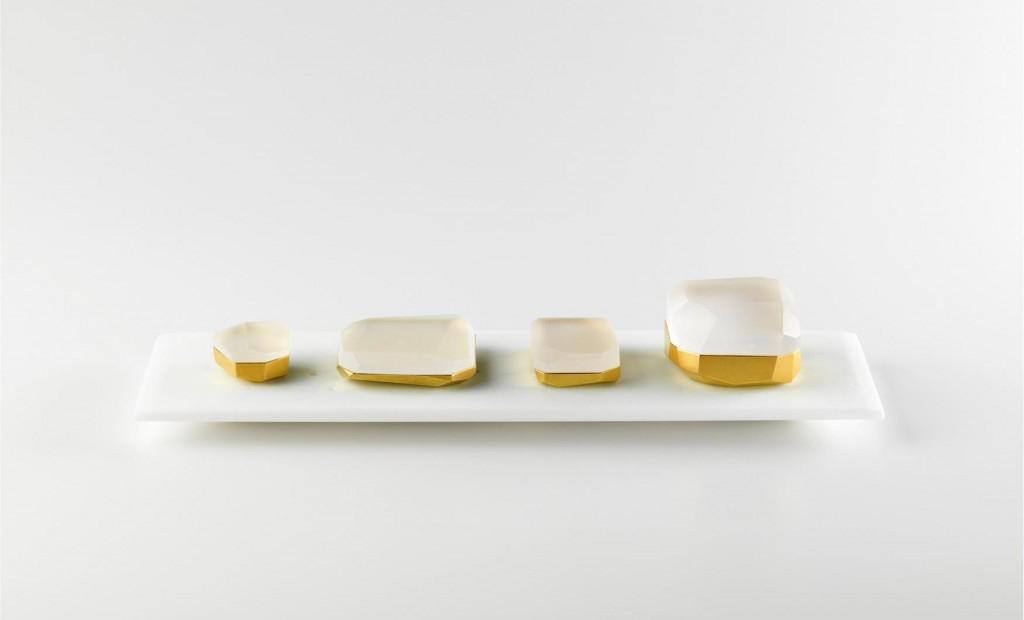 Collection de boites Facettes, verre opaque, porcelaine, 6cmx 35cm, création Andrea Walsh