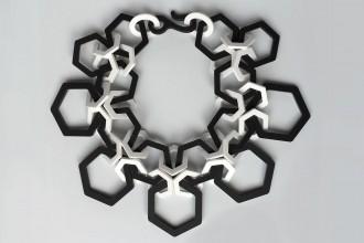 Collier Transfert découpe laser en perspex design shelby fitz patrick