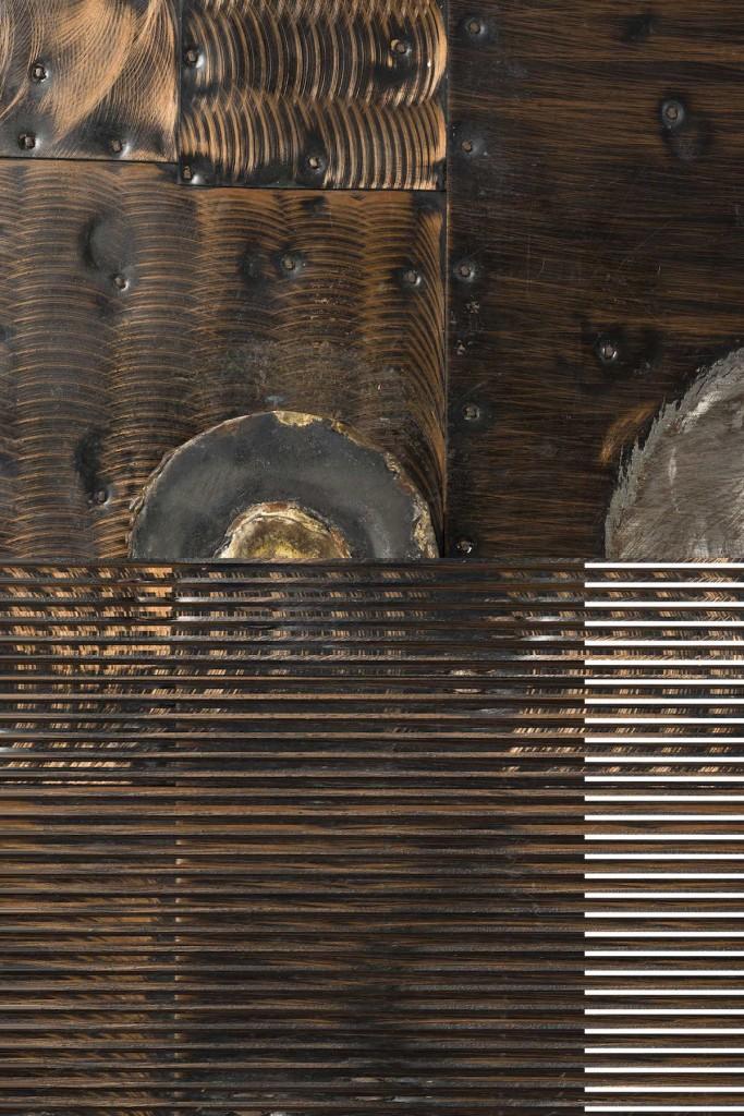 Détail cabinet cuivre, acier, laiton et bois Edition Directional