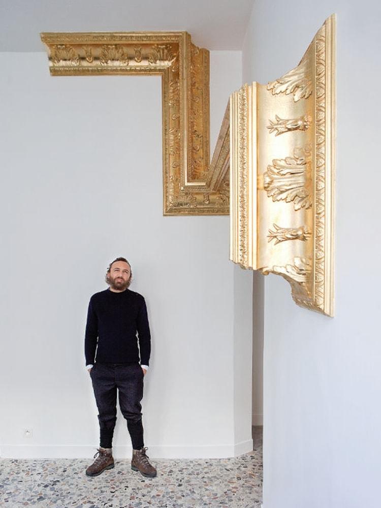 Mathias kiss, corniches réalisées à la feuille d'or
