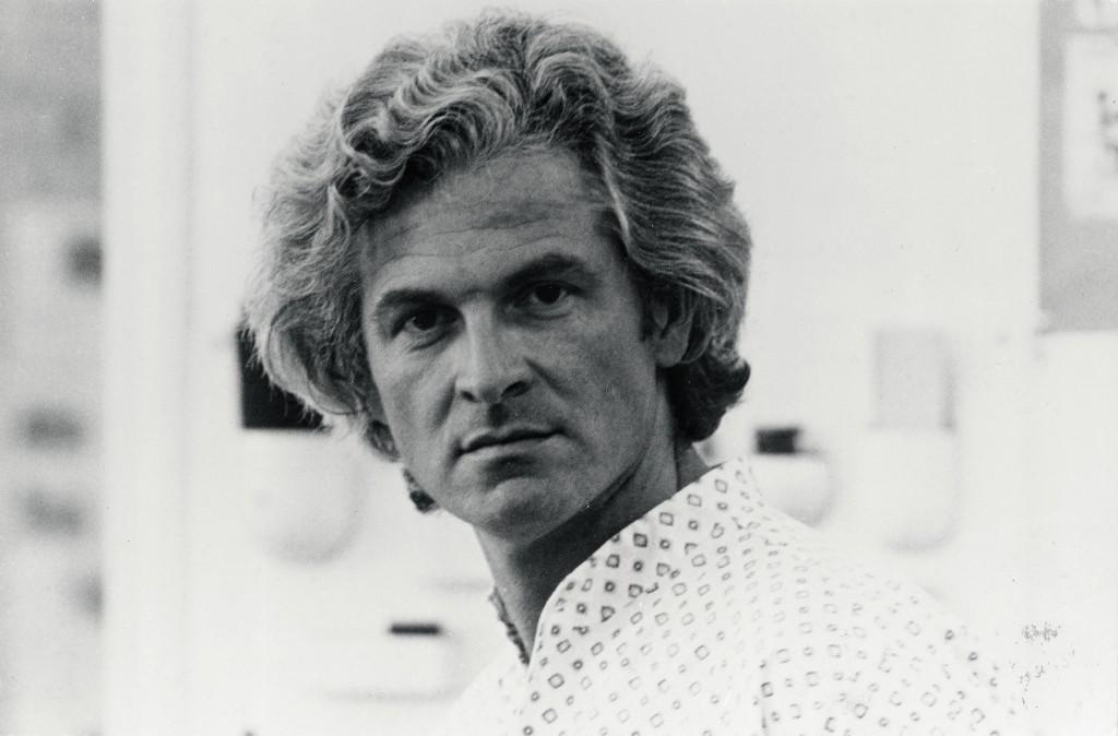 Portrait Pierre Paulin, 1974 © Everd Soons pour Artifort Les Archives Paulin