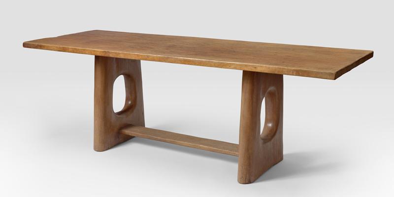 Table en acajou massif sculpté circa 1945, Alexandre Noll, Galerie Jacques Lacoste