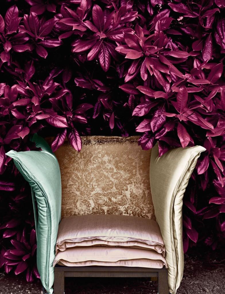 Tissus, sur le dossier Filarete soie damsé, assise et accoudoir, tissu Victoria faux unis de soie, Rubelli